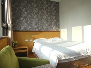 公園66 房間的床