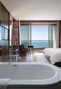 A bathroom at Swissôtel Resort Sochi Kamelia