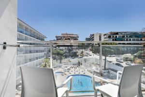 Vista de la piscina de Hotel Best San Diego o alrededores