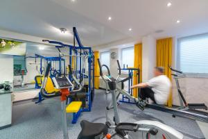 The fitness center and/or fitness facilities at Hotel & Restaurant Grotehof