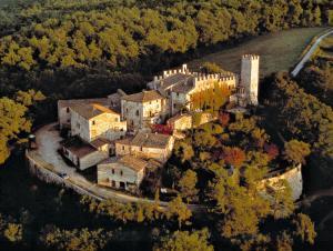 A bird's-eye view of Castello di Montalto