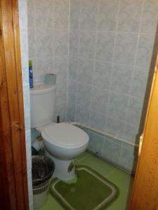 A bathroom at Otdykh na Kurshskoy Kose