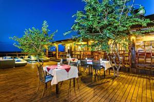 Restaurant ou autre lieu de restauration dans l'établissement Gondwana Etosha Safari Lodge