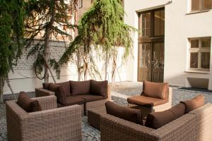 A seating area at H7 Palace