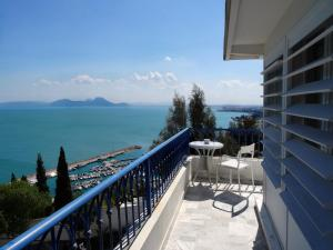 A balcony or terrace at La Villa Bleue