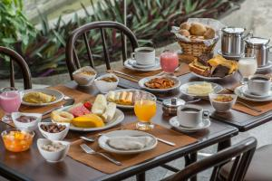 Breakfast options available to guests at Smart Hotel
