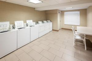 A kitchen or kitchenette at Hampton Inn St Louis- at the Arch
