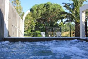 The swimming pool at or close to Mas de l Aire