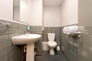 A bathroom at YHA Liverpool Albert Dock