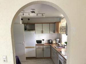 Küche/Küchenzeile in der Unterkunft Ferienwohnung Arenda