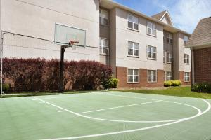 Tennis and/or squash facilities at Residence Inn Canton or nearby