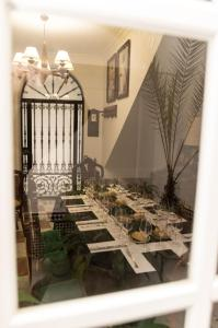 A restaurant or other place to eat at Boutique house LujoPobre