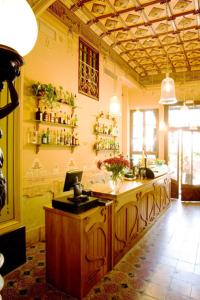 A restaurant or other place to eat at Hotel la Vila