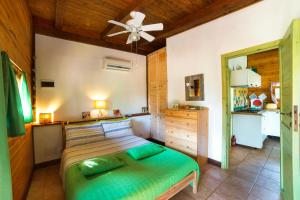A bed or beds in a room at Chalet Mimosa
