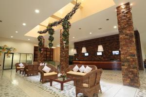 The lobby or reception area at Tabasco Inn