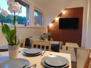 Restauracja lub miejsce do jedzenia w obiekcie Apartament MER - Idealny dla Ciebie