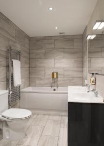 A bathroom at Royal Seven Stars Hotel