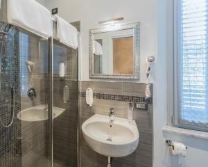 A bathroom at B&B Relais Paradise