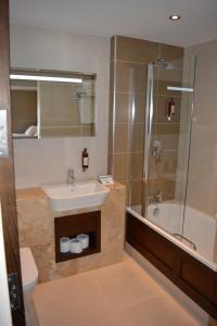 A bathroom at Rooms At Rue