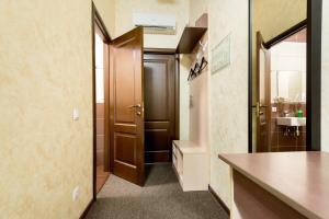 A bathroom at Shale on Komsomolsky
