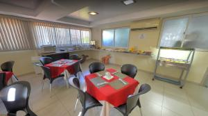 A restaurant or other place to eat at Hotel Tamarsol