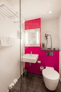 A bathroom at Andersen Boutique Hotel