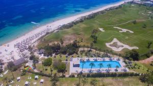 Een luchtfoto van Seabel Alhambra Beach Golf & Spa