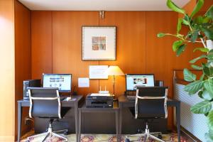 The business area and/or conference room at Hotel Hokke Club Kyoto
