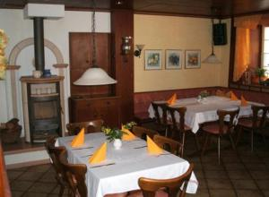 A restaurant or other place to eat at Gasthof Rotes Roß