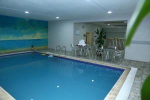 A piscina localizada em Golden Bujari Hotel Al Khobar ou nos arredores