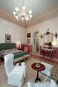 A seating area at B&B Flora House