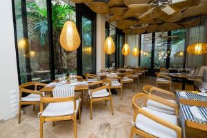 A restaurant or other place to eat at Movich Hotel Cartagena de Indias