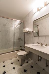 A bathroom at John Hotel