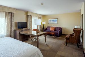 A seating area at Hampton Inn & Suites Las Vegas-Red Rock/Summerlin