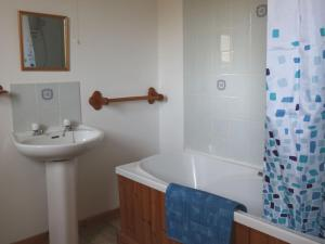 A bathroom at Holiday Home Island View