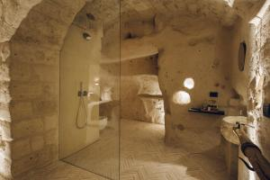 A bathroom at Palazzotto Residence&Winery