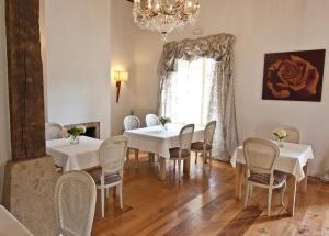 Un restaurante o sitio para comer en Posada Villa Esperanza
