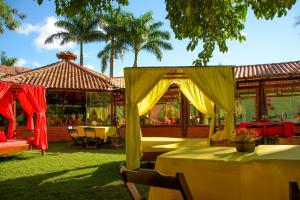 A restaurant or other place to eat at Hotel Caranda Eco Ville