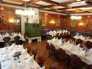 مطعم أو مكان آخر لتناول الطعام في فندق مطعم فالدكافى