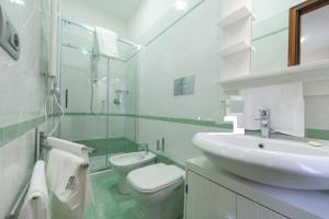 A bathroom at Bed & Breakfast Antonello
