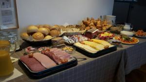 Breakfast options available to guests at Golf Hotel Mergelhof