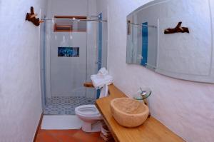 Uma casa de banho em Hotel Estorake San Agustin Huila