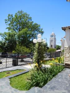 A garden outside La Posada