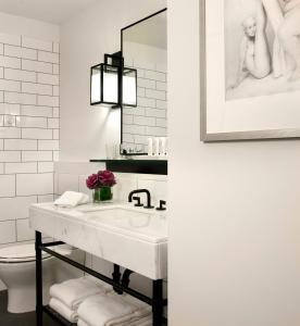 A bathroom at 21c Museum Hotel Cincinnati