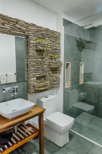 A bathroom at Hotel Boutique Casa Carolina