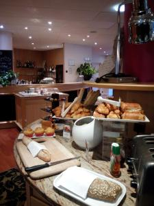 A restaurant or other place to eat at Mercure Epinal Centre