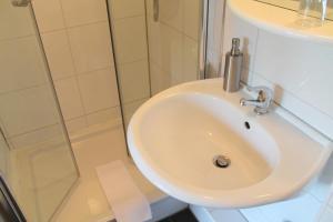 A bathroom at Haus Kastanienhof