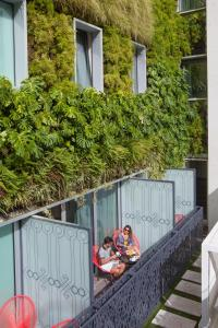 A balcony or terrace at BessaHotel Liberdade