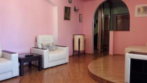 Гостиная зона в Apartments on Svetlana
