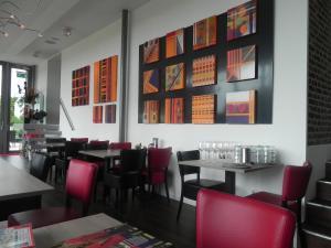 The lounge or bar area at Hotel - Restaurant Uit De Kunst